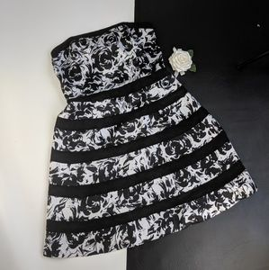 WHITE HOUSE BLACK MARKET special occasion dress